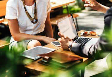Vertical commerce: como algumas marcas estão redefinindo o ecommerce